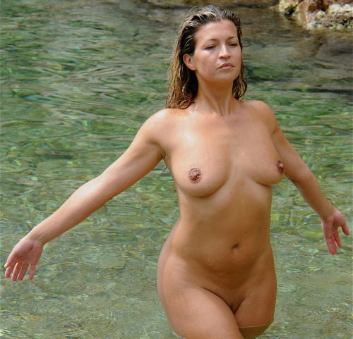photo sexe femme du 22 pegging et fellation